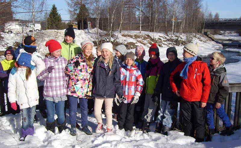 Femte klase ved Brummunda, ei viktig dialektgrense på Hedemarken
