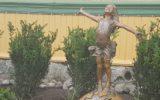 Skulptur på skolen